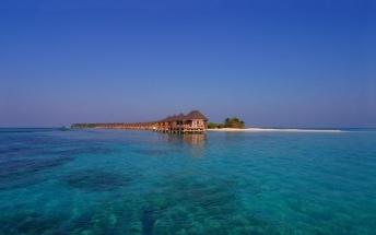 kuredu-island-resort-sangu-water-villas-wide